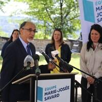 Boufeldja Benabdallah en conférence de presse, à Québec