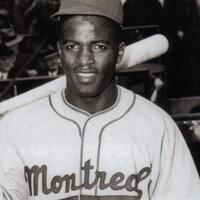 Jackie Robinson en uniforme des Royaux de Montréal (1946)