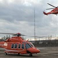 Des hélicoptères du service d'ambulances aériennes ORNGE.