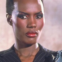 Grace Jones dans le rôle de May Day, dans le film de James Bond Dangeureusement vôtre (1985).