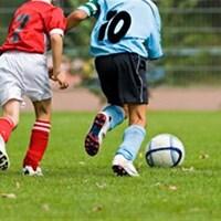 De jeunes joueurs de soccer.