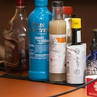 Des bouteilles d'alcool.
