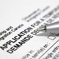 Un stylo et un formulaire