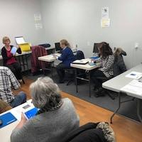 Des cours d'informatique pour aînés à Sherbrooke