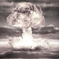 Le nuage en champignon d'une explosion atomique.