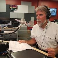 Notre chroniqueur, le journaliste Gilles Gagné, était de passage dans notre studio de Matane.
