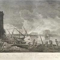 Image montrant des bâtiments près de l'eau et des personnes transportant de la marchandise, avec de la fumée en arrière-plan.