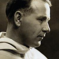 Le père Georges-Henri Lévesque de profil.