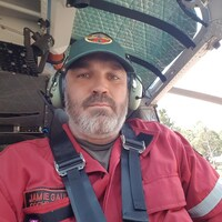 Jamie Gaunt travaille pour le ministère des Richesses naturelles de l'Ontario depuis une vingtaine d'années. On le voit ici en hélicoptère.