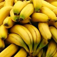 Des bananes s'amoncellent.