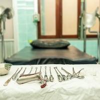 Des outils gynécologiques.