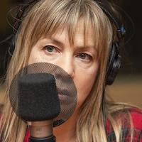Céline Bonnier au micro de Catherine Perrin.
