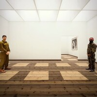 Deux personnages virtuels placés de chaque côté d'une pièce vide regardent la caméra dans un aperçu de l'exposition virtuelle <i>Ennemi</i>.