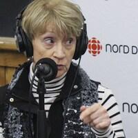 Hélène Koscielniak au micro de Catherine Perrin, à Hearst.