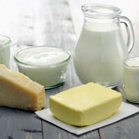 Du lait, du beurre, du fromage, de la crème et du yogourt.