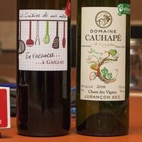 Gros plan sur les bouteilles sélectionnées par la Master Sommelier Élyse Lambert.