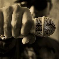 Le «gangsta rap» est présent et bien en vie au Québec, comme il l'est en France et aux États-Unis, même s'il est moins connu du public général.