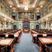 Le Salon bleu de l'Assemblée nationale, vide.