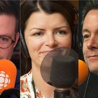 Collage de trois photos de Danny St Pierre, Kim Lévesque-Lizotte et Sébastien Bovet devant des micros de radio.