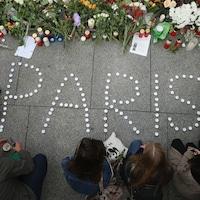 Recueillement en mémoire des victimes des attentats de Paris
