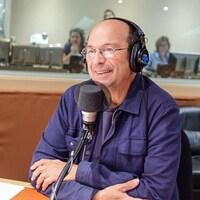 Michel Rivard au micro de Joël Le Bigot.