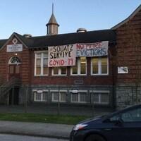 Une école élémentaire à Vancouver. Des sans-abris ont pris possession des lieux.