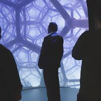 Projection d'une image numérique de réalité virtuelle pour un projet artistique.
