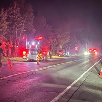 Les services d'urgence sur les lieux de l'accident.