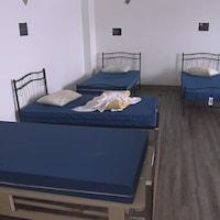 Des lits au refuge du Partage St-François, à Sherbrooke.
