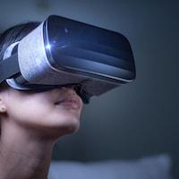 Un casque de réalité virtuelle.
