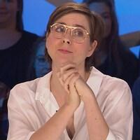 Eve Landry sur le plateau des Enfants de la télé.