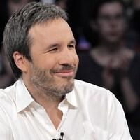 En entrevue, Denis Villeneuve sourit.