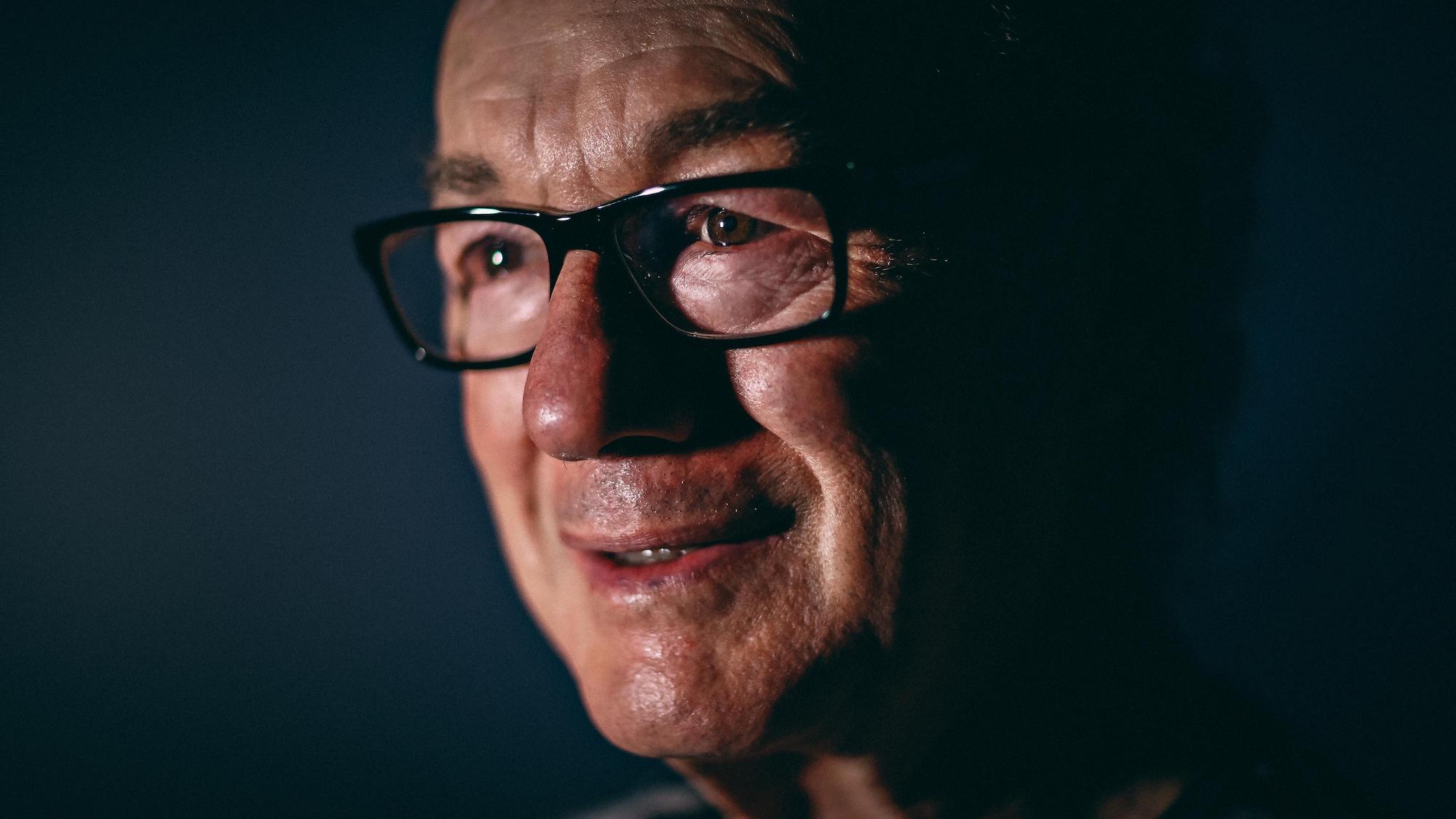L'ex-boxeur Fernand Marcotte sourit.