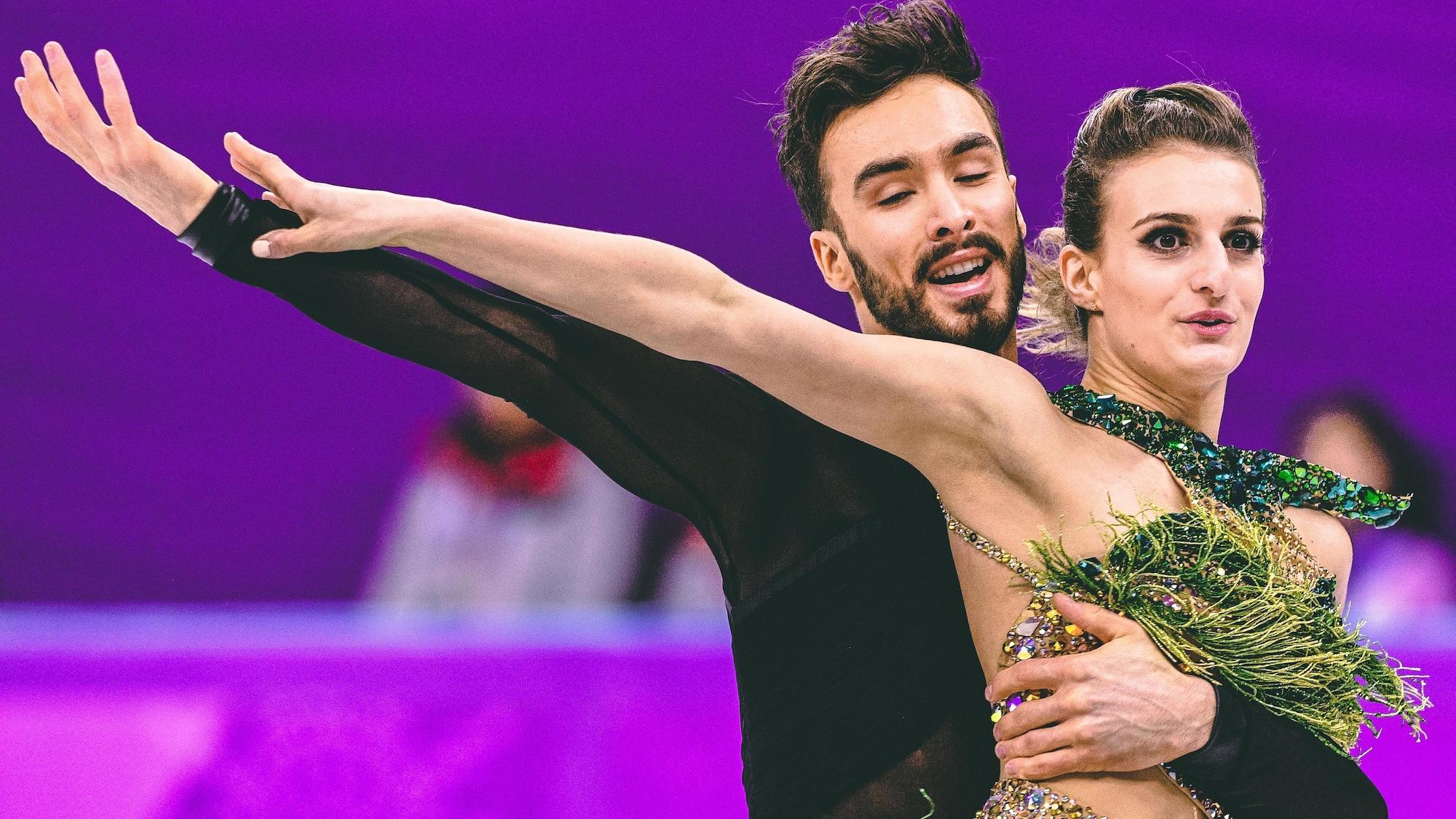 Guillaume Cizeron et Gabriella Papadakis pendant leur danse courte aux Jeux olympiques de Pyeongchang.