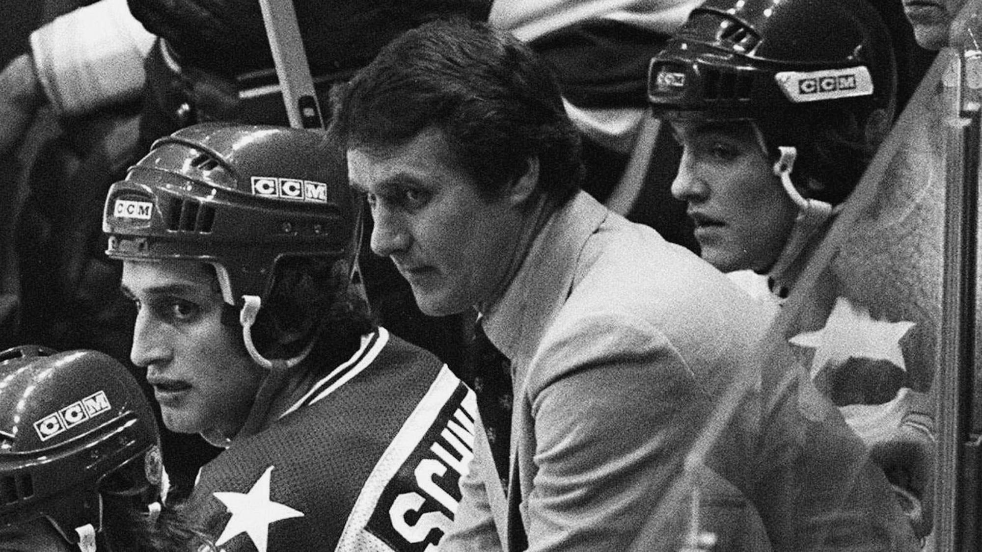 L'entraîneur-chef des États-Unis Herb Brooks pendant les dernières minutes du match contre l'URSS.