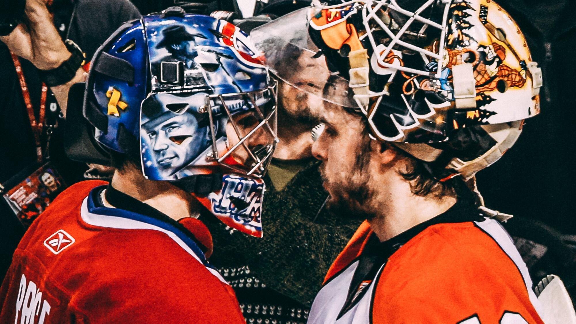 Martin Biron et Carey Price se serrent la main après l'élimination du Canadien par les Flyers, le 3 mai 2008, au Centre Bell.
