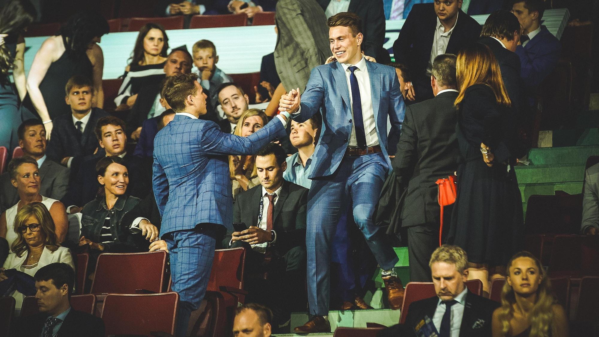 Samuel Poulin réagit à sa sélection par les Penguins de Pittsburgh, le 21 juin 2019, au Rogers Arena de Vancouver.