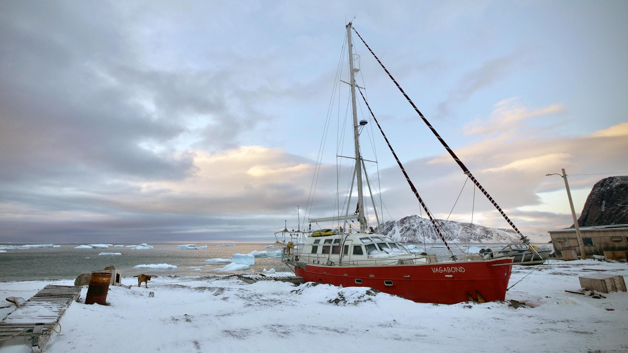 [Imagen: grise-fiord-famille-voilier-vagabond-52215.jpg]