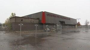 La démolition de l'ancien Sears de Chicoutimi débute