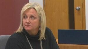 Procès pour harcèlement: l'ex-directrice générale de la CS des Rives-du-Saguenay témoigne
