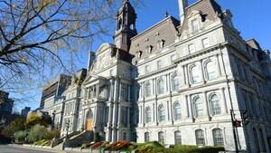 Le conseil municipal de Montréal se porte à la défense de celui de Toronto