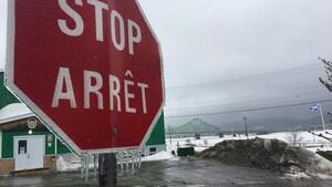 Pluie verglaçante: fermetures d'écoles et pannes d'électricité en Atlantique