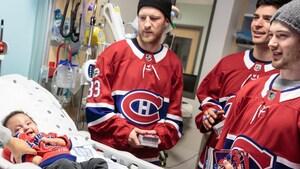 Un petit Cri de la Baie-James reçoit la visite de joueurs du Canadien