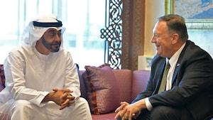 Le cheik Mohammed ben Zayed en compagnie de Mike Pompeo.