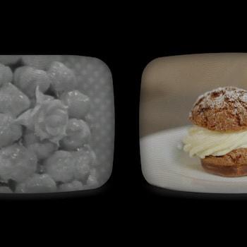 Un écran de télévision scindé en deux. À gauche: une image en noir et blanc tirée des archives de Radio-Canada, qui présente un croquembouche (montagne de choux à la crème). À droite: un chou à la crème tel que cuisiné par Rémy Couture.