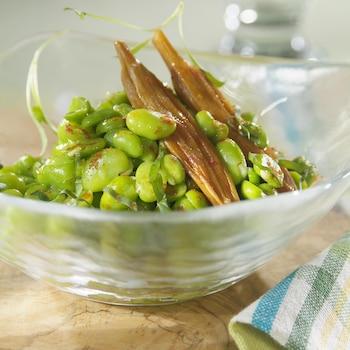 Salade de gourganes à la vinaigrette dans un bol.