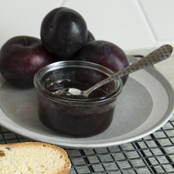 De la confiture aux prunes.