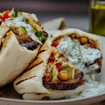 Sandwich style sabich à l'aubergine.
