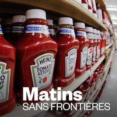 Du ketchup Heinz  sur les étalages d'une épicerie.