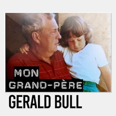Sarah-Jane Bull, enfant, dans les bras de son grand-père Gerald Bull.